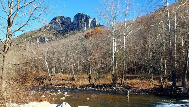 Photo of Seneca Rocks, West Virginia